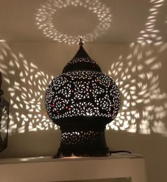 marokkansk. lamper. interior. belysning   Skinnpuffer